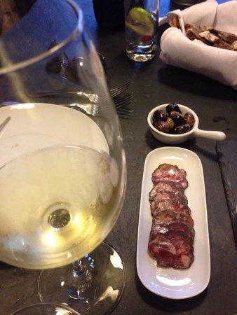 Ode Porto Wine House: Cured meat- best