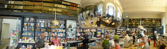Staedel Museum : Big museum shop