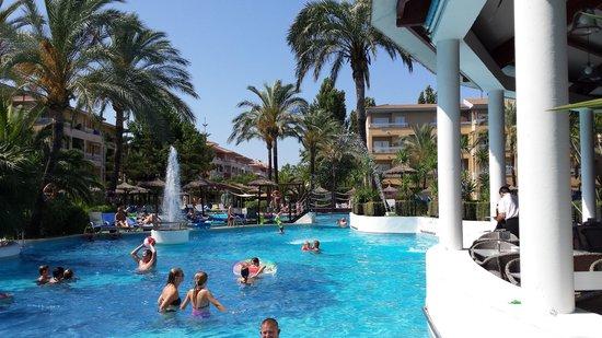Prinsotel La Dorada: piscina
