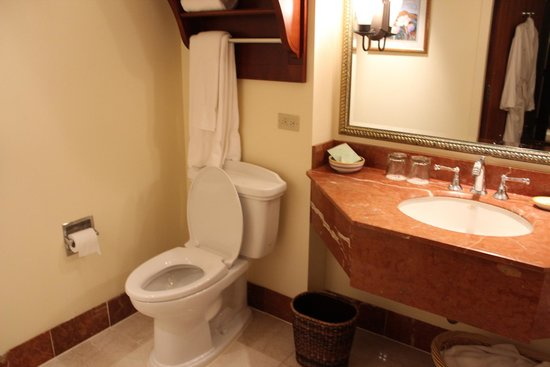 Monterey Plaza Hotel & Spa: Bathroom
