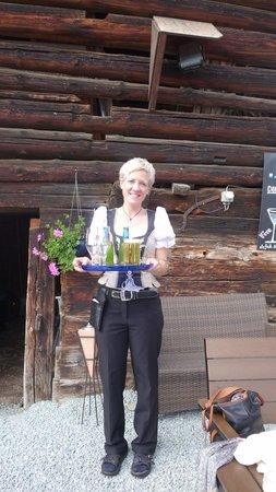Gasthaus Alpina: Sandra in full flight