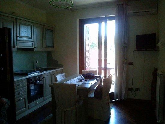Residence Criro: Angolo cottura e balcone