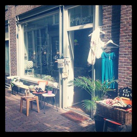Les petites puces amsterdam de wallen quartiere a luci for Hotel vicino piazza dam amsterdam
