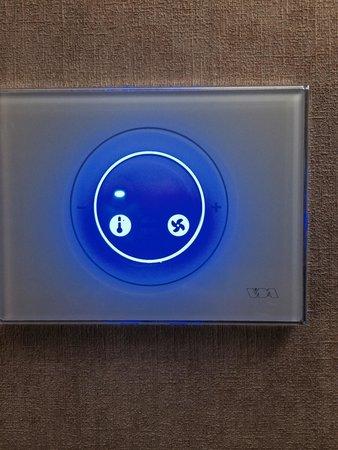 "Hotel Dei Mellini: Climate control and ""do not disturb"" signal"