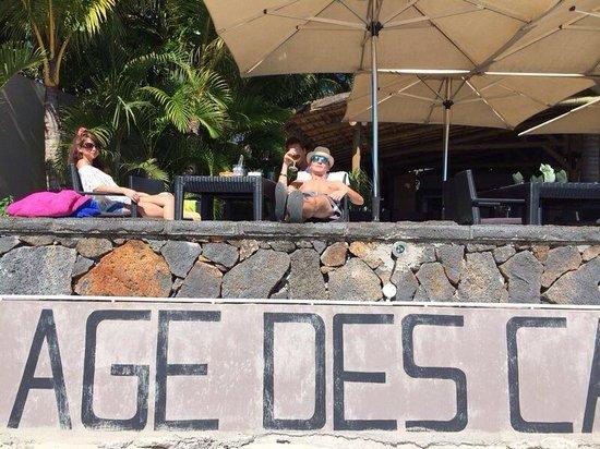 Les Canisses Resto et Bar : Déjeuner pied dans l'eau