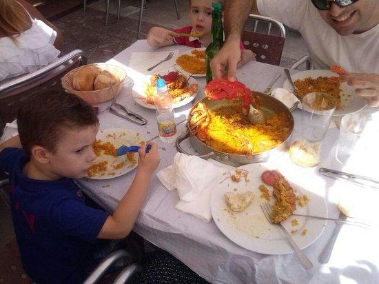 Restaurante El Muelle: No quedó nada. Arroz con bogavante