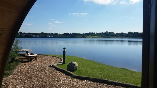 Dacre Lakeside Park: Beautiful view in the morning
