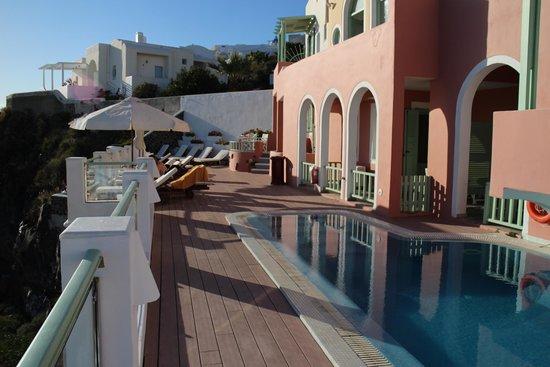 Ira Hotel & Spa : Piscina com vista para o mar