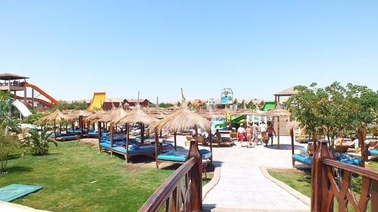 Jungle Aqua Park : bridge into waterpark