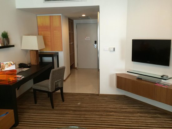 Dusit D2 Chiang Mai : from the sitting area to the door