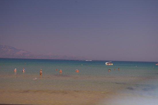Alykanas Beach Apart-Hotel: The beach and sea outside the hotel
