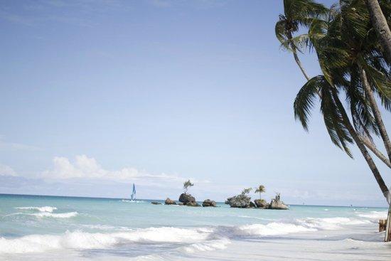 White Beach: 1