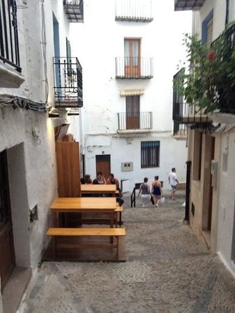 Castillo de Peñíscola: streets of the castle 1