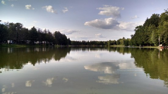 Rome, Pensilvania: view of Pine Cradle Lake