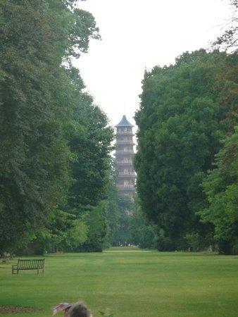 Queen Charlotte's Cottage: Pagoda Vista