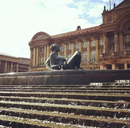 Victoria Square: The 'Floozie in the Jacuzzi'