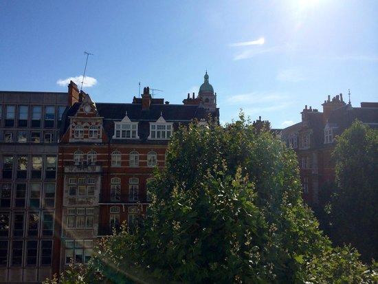 The Queen's Gate Hotel: vista dalla camera 303