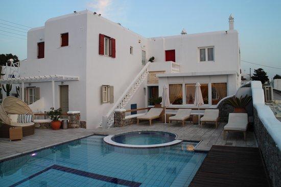 Damianos Hotel: Prédio principal do hotel, onde fica a recepção