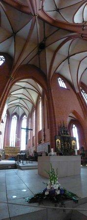 Dom St. Bartholomäus: Inside the cathedrale