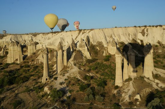 MDC Hotel: Balloons over Love Valley