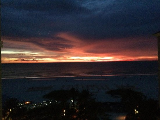Sandpearl Resort: Beautiful sunset from our gulf front view