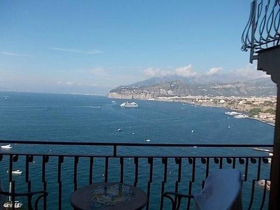 Hotel Belair : view from balcony -1 floor