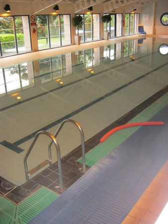 Crieff Hydro Hotel and Resort: swimming pool.7am