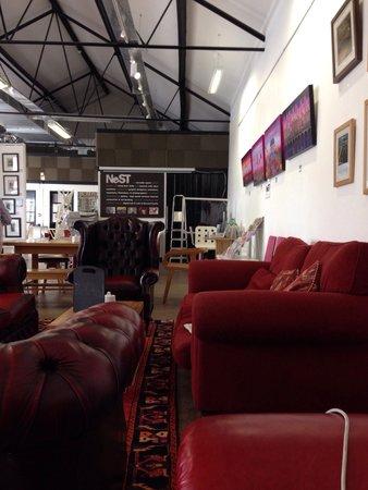 Cafe NeST: Lovely comfy sofas