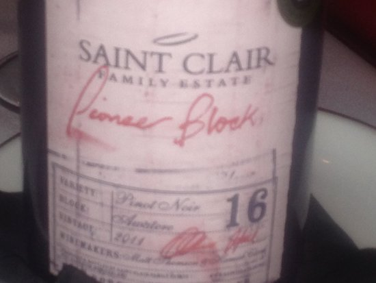 Moo Moo The Wine Bar And Grill: Saint Clair Pinot Noir