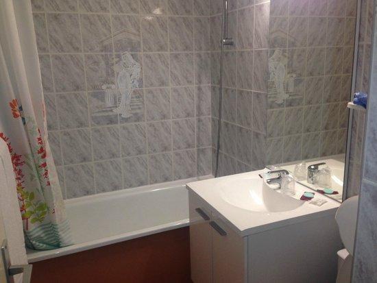 Relax' Otel Le Barcares : salle de bain