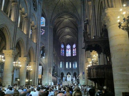 Notre-Dame de Paris: Mass