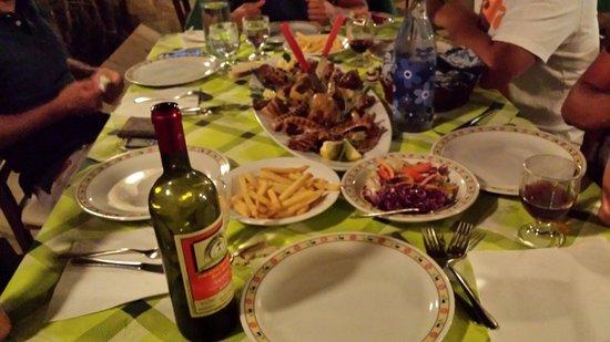 Agriturismo dei Panzanari: Grigliata mista di carne