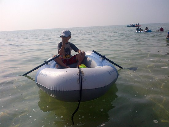 Sauble Beach: Lost SEVYLOR inflatable boat