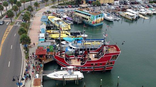 Pier House 60 Marina Hotel: View from the balcony