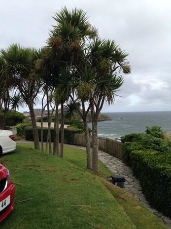 Trebarwith Hotel: views from car park area