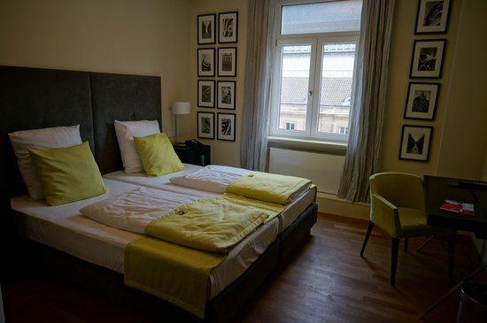 Hotel Hamburger Hof: Habitación