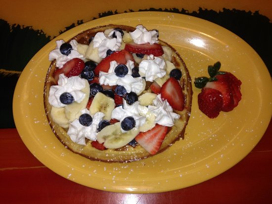 Sunnyside Cafe: Look at this waffle ! It taste as good as it looks !