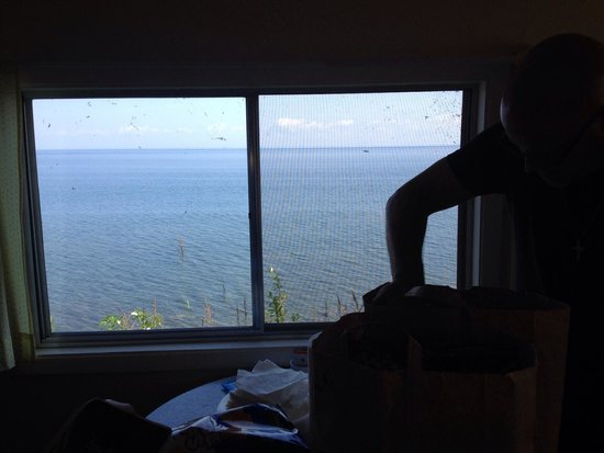 Bob's Cabins on Lake Superior's North Shore : View from kitchen on cabin 10.