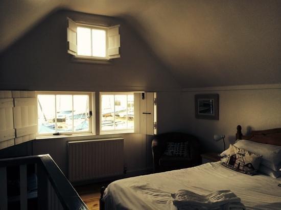 Hotel Continental - Fisherman Huts: upstairs bedroom
