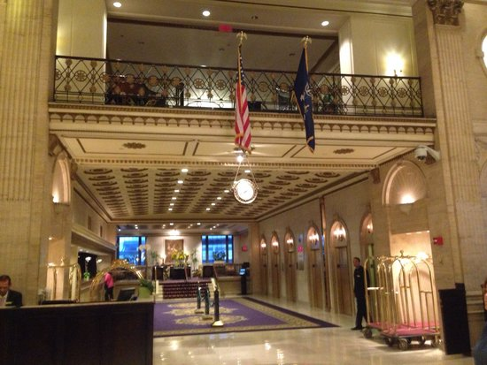 The Roosevelt Hotel : Hall