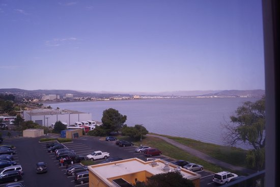 Embassy Suites by Hilton Hotel San Francisco Airport (SFO) - Waterfront: Our Parking lot/Waterfront view room:(