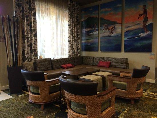 Courtyard Maui Kahului Airport : Lobby