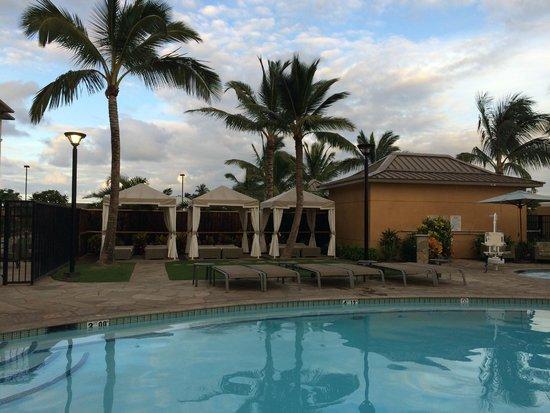 Courtyard Maui Kahului Airport : Pool Cabanas