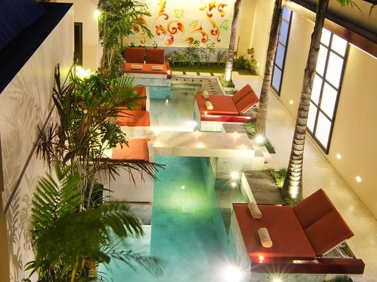 Bali Ginger Suites & Villa: Suites open directly on to the Ginger Swimming pool, perfect for laps or lounging around