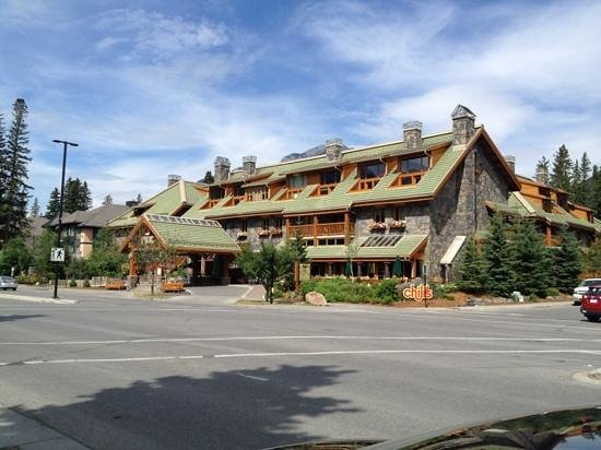 Fox Hotel & Suites: Hôtel Fox à Banff avec l'excellent resto Chilis