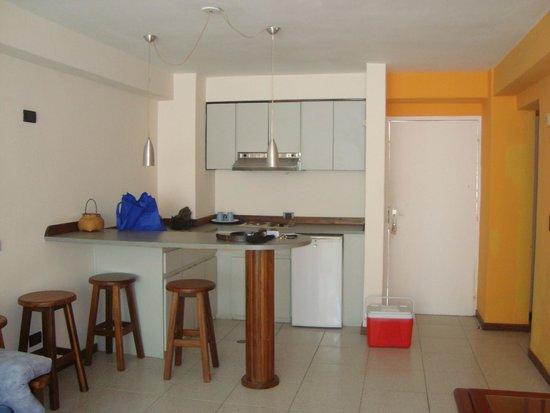 Costa Real Suites : Cocina dentro de la suite