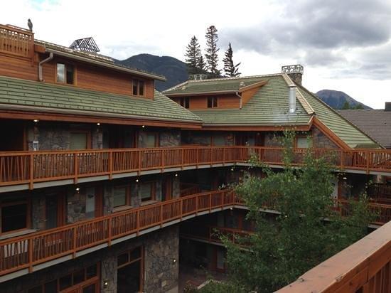 Fox Hotel & Suites : Cour intérieure de l'hôtel Fox