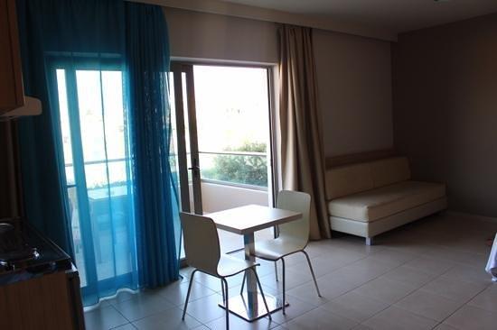 Nautilus Bay Hotel : Living room