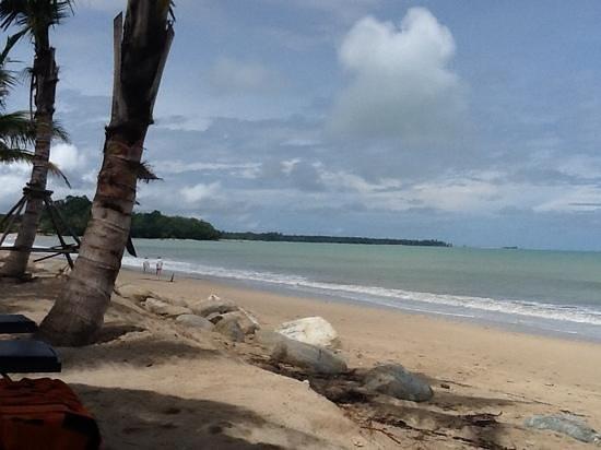 Beyond Resort Khaolak: beach at Beyond Resort