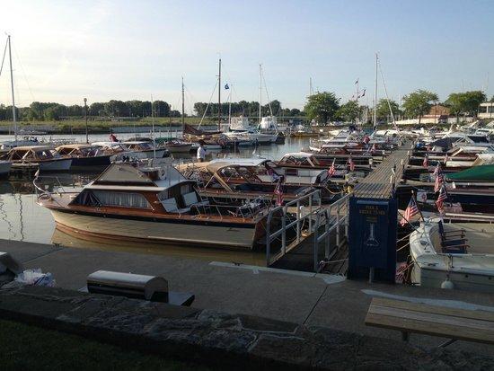 Comfort Inn River's Edge : Marina